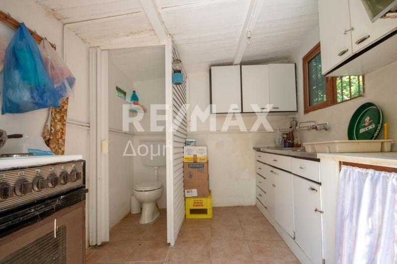 Εξωτερική κουζίνα και wc