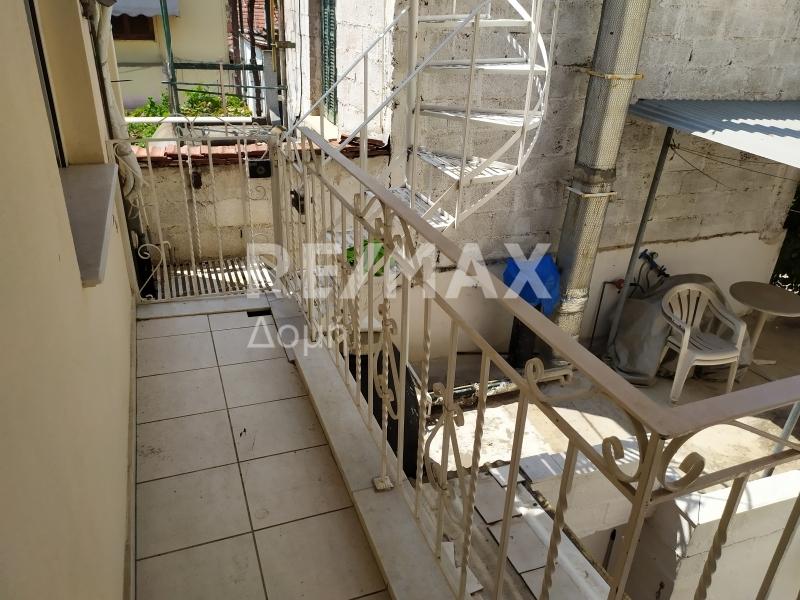 πίσω μπαλκόνι,είσοδος